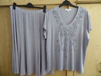 LADIES SILVER GREY SUIT BY JULIPA SIZE 24/26