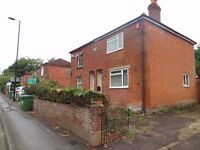 5 Bed House 215 Burgess Road *** Available Now****