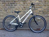 Land Rover Saggara ladies commuter bike