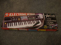Music Keyboard Instrument MQ-4400