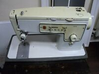 Electric Singer Sewing Machine 413 being sold for spares or repairs