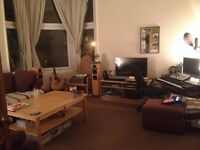 ** 1st AUG Large furnished double room in beautiful top floor Shawlands flat **