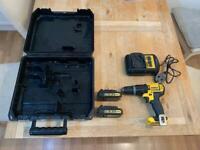 Dewalt 18V XR Lithium Ion Cordless Combi Hammer Drill + 2 18V 1.5AH batteries DRILL NEEDS NEW CHUCK