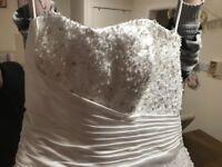 Stunning cinderella wedding dress