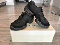 BLOCH Black 'Boost' Dance Sneakers - size 4