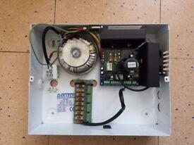 DANTECH DA449 METAL BOXED PSU 8AMP 12V DC OR 24V DC