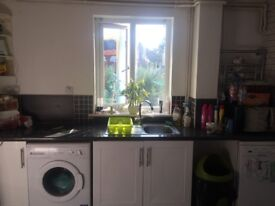 Large Double room to let/rent £430 per month
