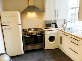 Enormous 2 Bed 2 Bath Flat in Clapham Old Town