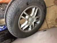 "Land Rover 17 "" alloys and tyres"