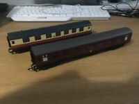 Pair OO Gauge Hornby Carriages - Harry Potter