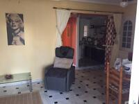 Flat to rent, self contained, all bills etc close to City