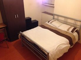 CLEAN DOUBLE ROOM TO LET ON PAYNES ROAD- SHIRLEY FULLY FURNISHED