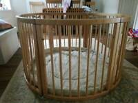 VERY LARGE WOODEN BABY PLAYPEN (Ø 120cm) WITH PLAYMAT (Stripes)