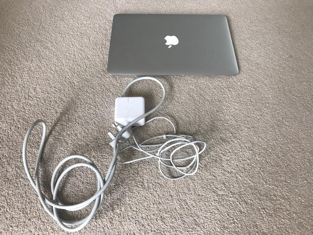 """MacBook Air 13 inch, mid 2012, 250 SSDin Kingswood, East YorkshireGumtree - MacBook Air 13"""" screenMid 20124gb DDR3 memoryIntel i5 1.8ghz Upgraded hard drive 250gb SSDComes with original power supply"""