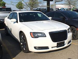 2014 Chrysler 300 S**PANORAMIC SUNROOF**NAVIGATION**