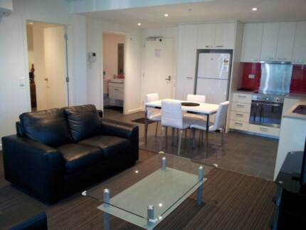 ADELAIDE CBD BEAUTIFULLY APPOINTED 2 BRM CITY APARTMENT