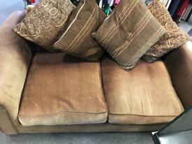 Sofa Free To Collecter. Must go ASAP