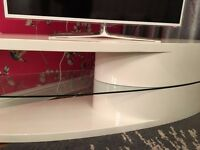 Television unit white gloss with glass shelf
