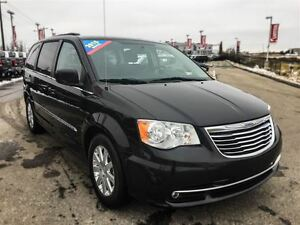 2015 Chrysler Town & Country Touring|DVD|Nav|Sunroof|Heated Seat
