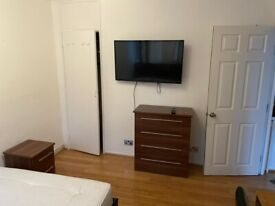 Single Room to Rent in Shared Flat in Fontley Way, Putney Heath SW15.
