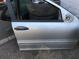03 MERCEDES C220 ESTATET ALL DOOR AVALIABLE SILVER