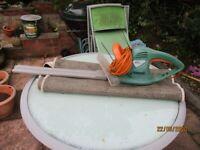 Electric hedge pruner/cutter