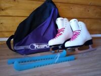 Risport Ice Skates, UK size 5. Comes with bag, and blade guards. Good condition.
