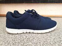 Men's Navy shoes size 9 (UK), 43 (EU)