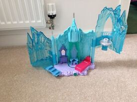 Frozen Palace and Figures