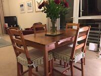 Pine Wooden Dinning Table with 4 Chairs