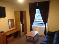 CITY CENTER HUGE CENTRAL FULLY FURNISHED ROOMS TO RENT IMMEDIATELY SAFE AREA NEWTOWN CITY CENTER
