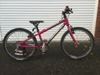 Isla Bike Beinn 20 Small in pink. Excellent condition with some minor scratches.