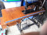 Singer Heavy Duty Table Sewing Machine