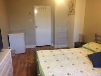 Lovely Single Room with Double Bed and Smart TV