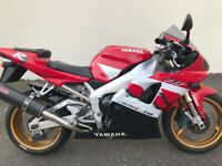 2000 YAMAHA YZF-R1 -MUST BE SEEN VERY VERY CLEAN BILE -2 OWNERS FROM NEW WELL LOOKED AFTER £2850