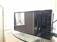 Russel Hobbs 700w, 17L Microwave
