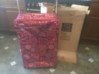 LIGHTWEIGHT SUITCASE 73cm PULL ALONG ON WHEELS HORNCHURCH ESSEX