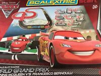 Scalextric Start Cars 2 Lightning McQueen v Francesco Bernoulli