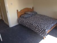 Double bedroom available in N15 area for a Muslim female profession person