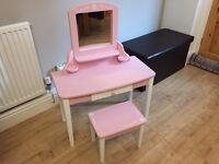 3 items of Girls pink furniture - Painted wood
