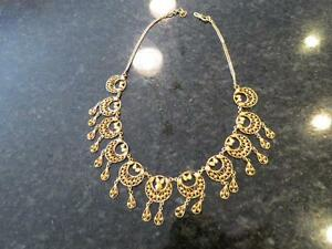 22k yellow gold ladies necklace 31.6 grams