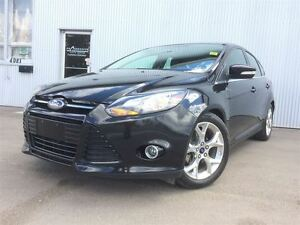 2014 Ford Focus Titanium, LEATHER & HEATED SEATS,  SUNROOF.