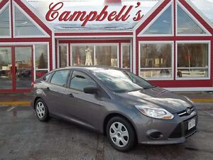 2014 Ford Focus SE!! FUN 5 SPD GAS SAVER!! HAS AIR!! POWER WINDO