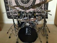 Drum Kit + 6 Cymbals (all with stands)