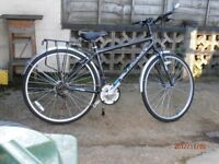 Gents Raliegh Active 18 gears Hybrid Bicycle (As New)