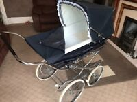 Silver cross vintage coach built Pram navy blue good condition