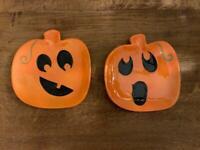 2 Halloween pumpkin plates