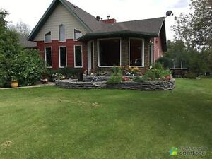 $679,000 - Acreage / Hobby Farm / Ranch in Strathcona County
