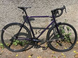 QUELLA EVO PURPLE BIKE 59CM FRAME + BOTTLE CAGES + MUDGUARDS + SHIMANO ALFINE HOLLOWTECH CRANKS