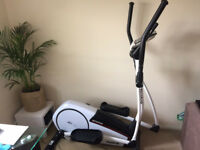 Reebok Jet 100 Series Cross Trainer - Very Good Condition